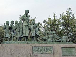 「平和の群像」香川県土庄町(小豆島)