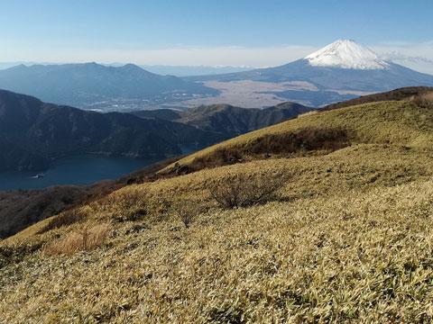 駒ヶ岳から望む富士山と芦ノ湖