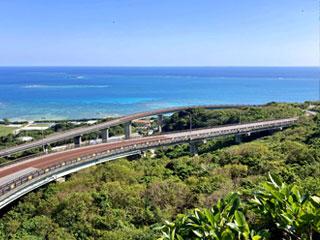 「ニライカナイ橋」沖縄県南城市