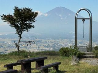 「誓いの丘公園」静岡県小山町